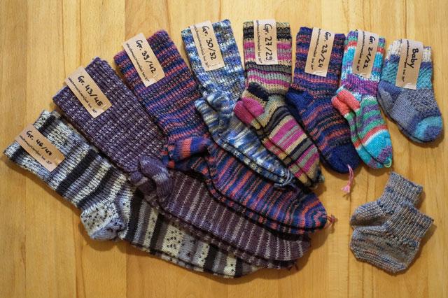 Selbstgemachte Socken im Cafe Kuko