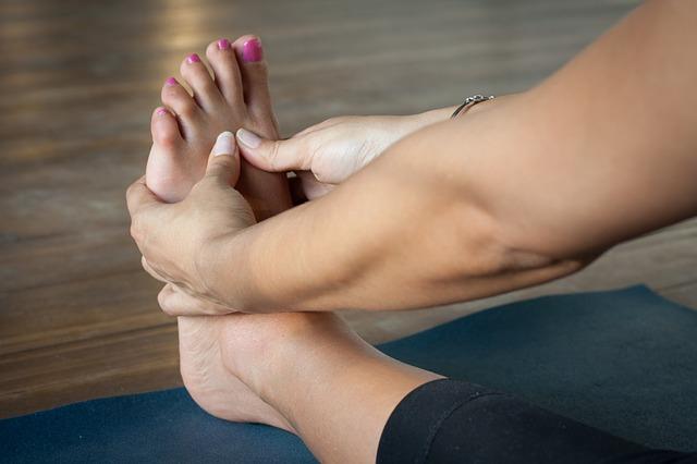 Geschwollene Füße – Ursachen, Hilfsmittel und Behandlung