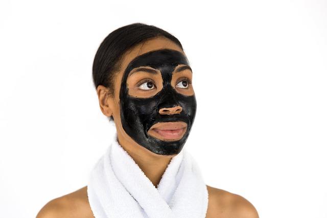 Gesichtsmaske gegen Pickel – am besten selber machen?