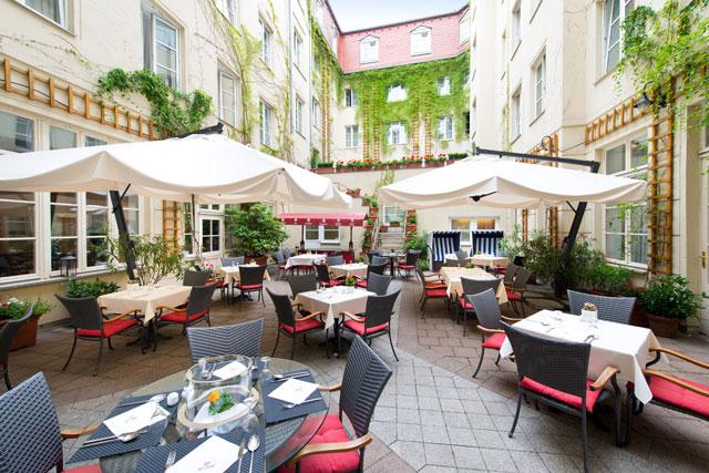 Außenbereich des Restaurant Alvis