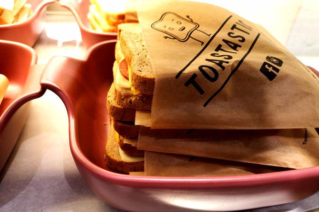 Toast zum Mitnehmen bei Toastastic in München