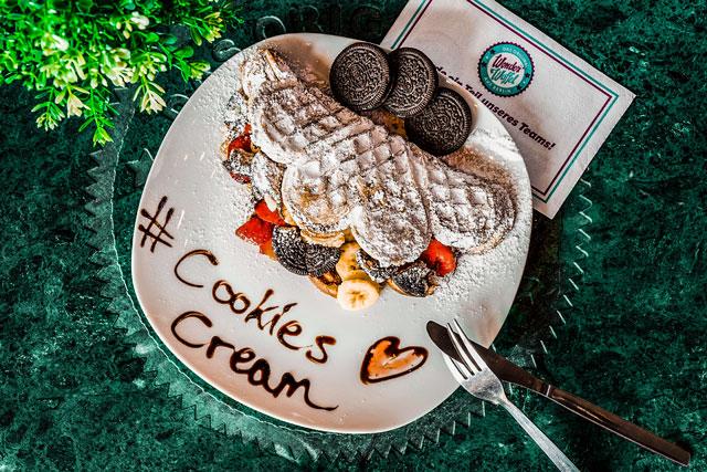 Waffel mit Cookies and Cream bei Wonderwaffel in Berlin