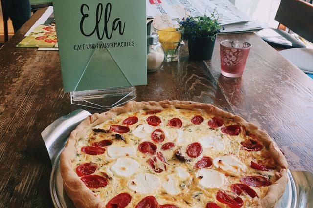 Frische Quiche im Café Ella in Berlin