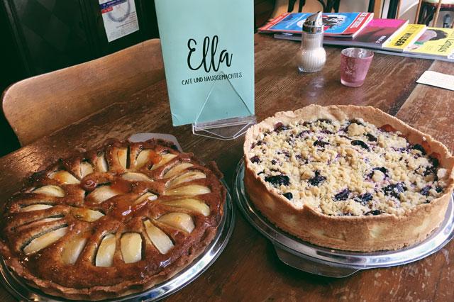 Zwei beliebte Torten im Café Ella in Berlin