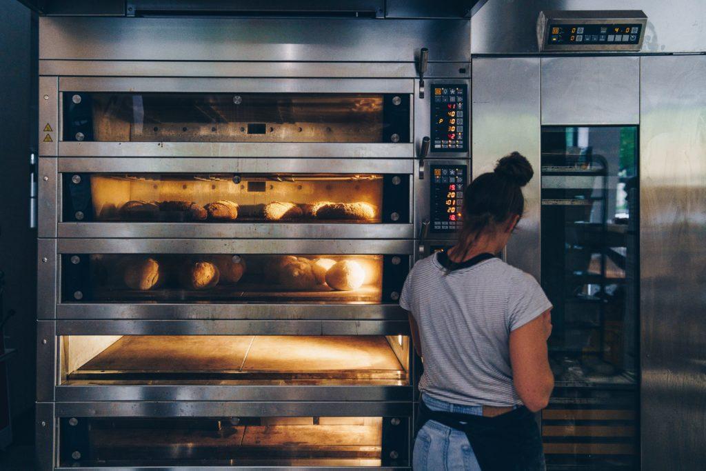 Die Backstube von echt jetzt der glutunfreien Bio-Bäckerei in München