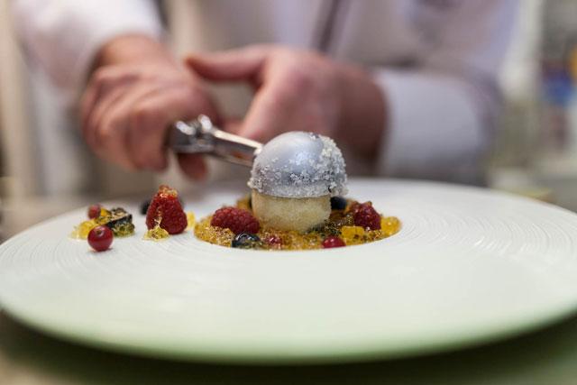 Dessert im restaurant Alvis